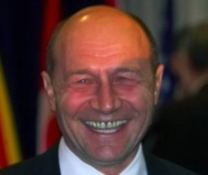 Vesnic zâmbitorul Băsescu