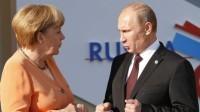 Reuters Cancelarul Germaniei, Angela Merkel, într-o discuţie cu preşedintele Rusiei, Vladimir Putin