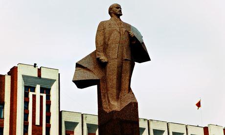 Transnistria: statuia lui Lenin la Tiraspol