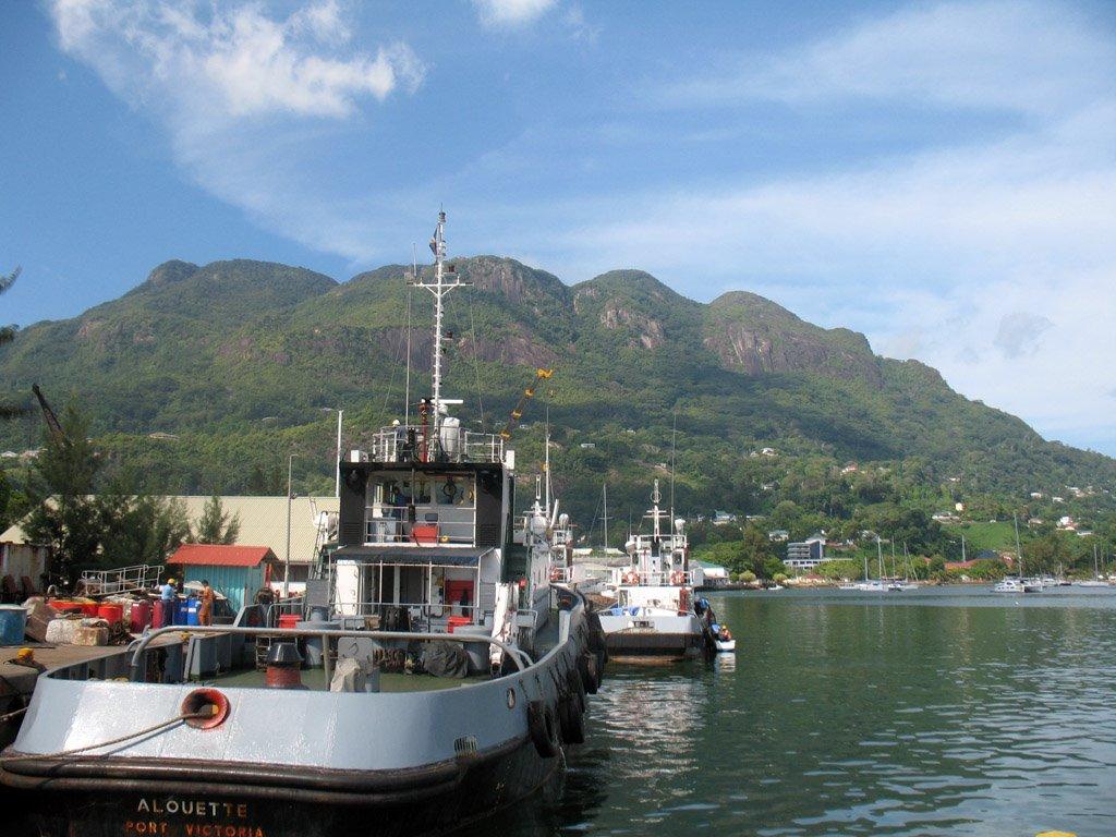Remorcherul Alouette, Port Victoria