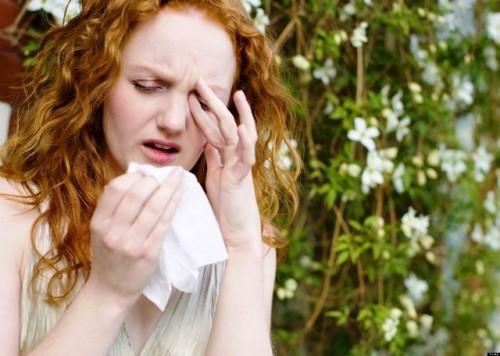Cum supraviețuim alergiilor oculare de primăvară