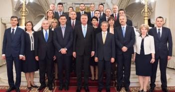 Guvernul Ciolos. Am mai avut un ministru pitic de care nu am putut scapa decat cu greu!