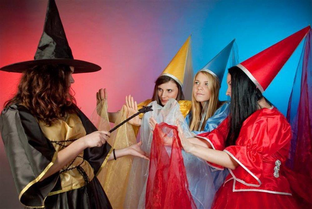 Ghidul perfect pentru organizarea petrecerii de botez Spectacol ursitoare si vrăjitoare