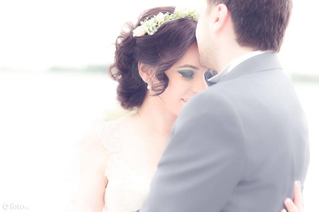 Cum trebuie sa iti alegi fotograful pentru nunta?
