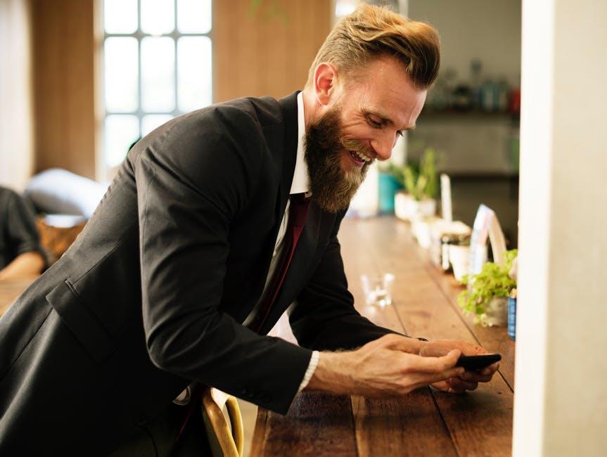 3 pasi ESENȚIALI pentru a fi un bărbat stilat în 2018