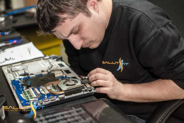 Doua motive laptopul in loc sa cumparam unul pentru a ne repara nou