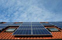 Istoria echipamentelor de captare modernă a energiei solare începe în secolul 19 în Franța