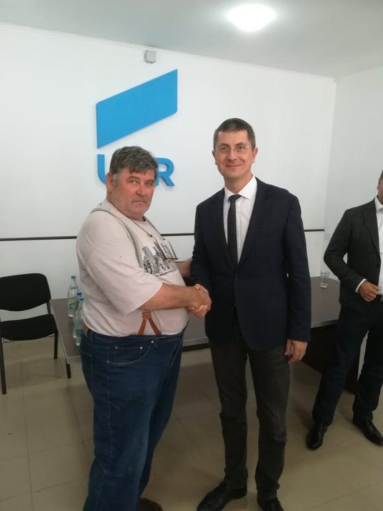 Cosmin Gusa fura voturi pentru  Iohanis de la  Dan Barna